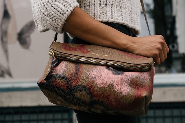Jaké kabelky se nosí v roce 2017?