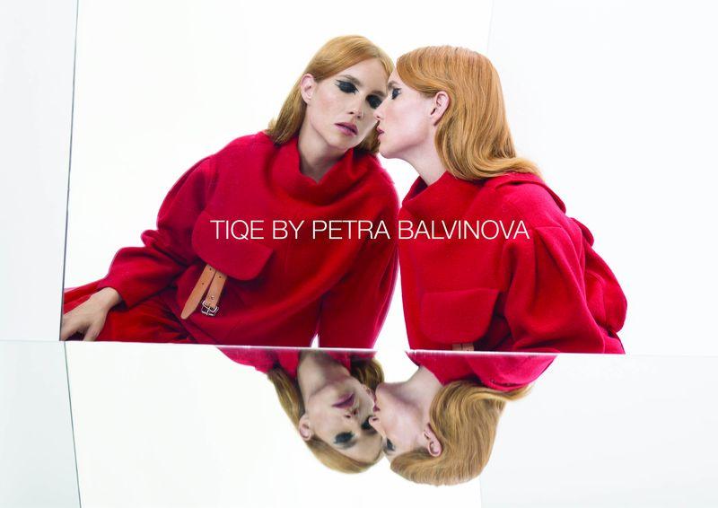 Hana Vagnerová zdobí lookbook značky TIQE pro podzim/zimu 2017/2018