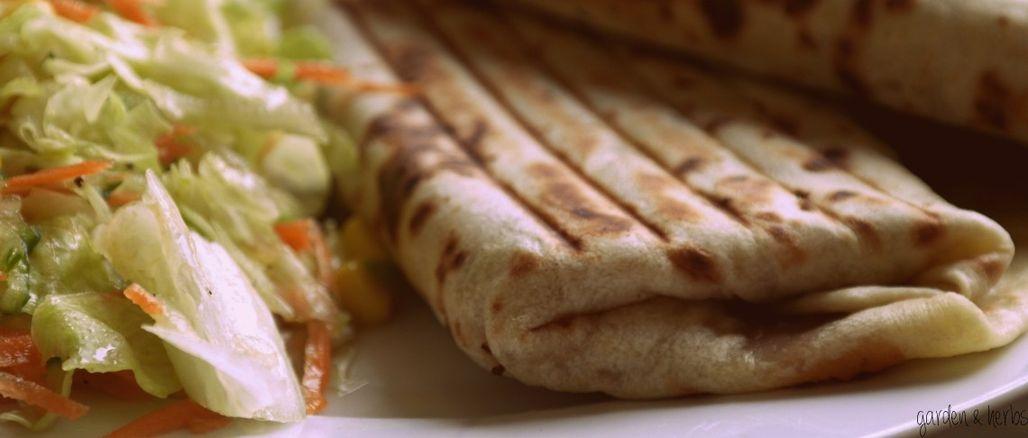 Recept podle Garden&Herbs: Domácí tortilly s fazolovou náplní