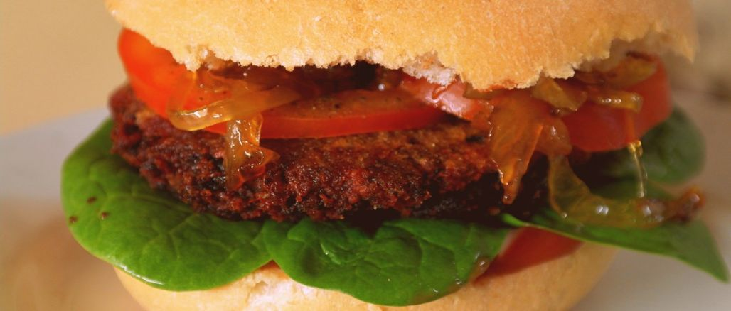 Recept podle Garden&Herbs: Fazolovo-řepný burger