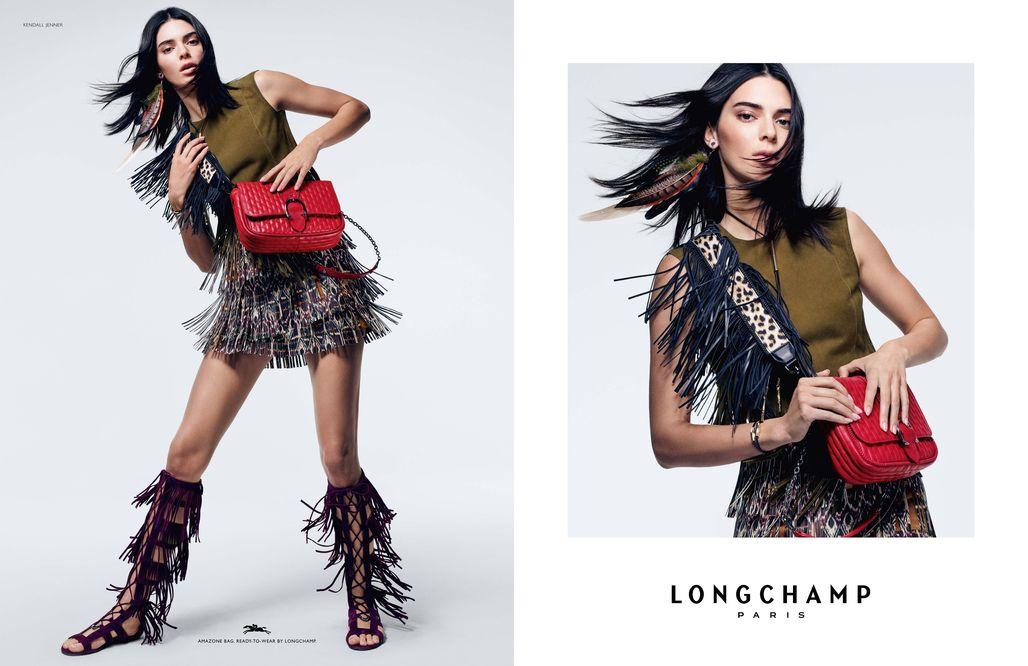 Kendall Jenner oslavuje v nové kampani Longchamp 70. léta