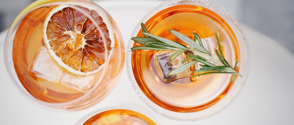4 Prosecco drinky, které si zvládnete připravit doma