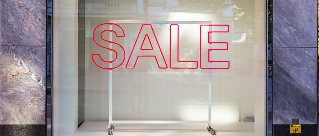 Vyzrajte na letní výprodeje! Užitečné tipy, jak nakupovat jako profesionál