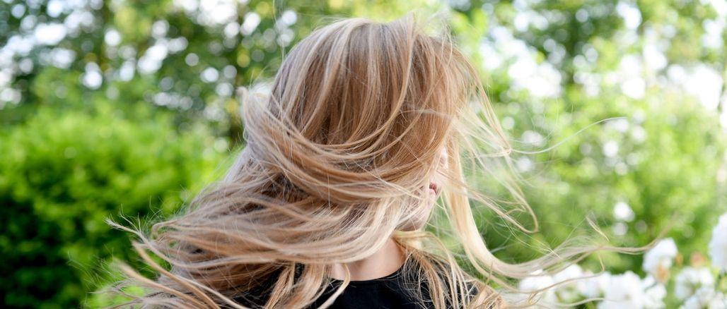 Nový trend v oblasti mytí vlasů: vyzkoušejte low shampoo