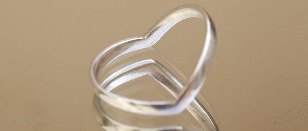 Prsten s příběhem: originál, který bude jenom váš