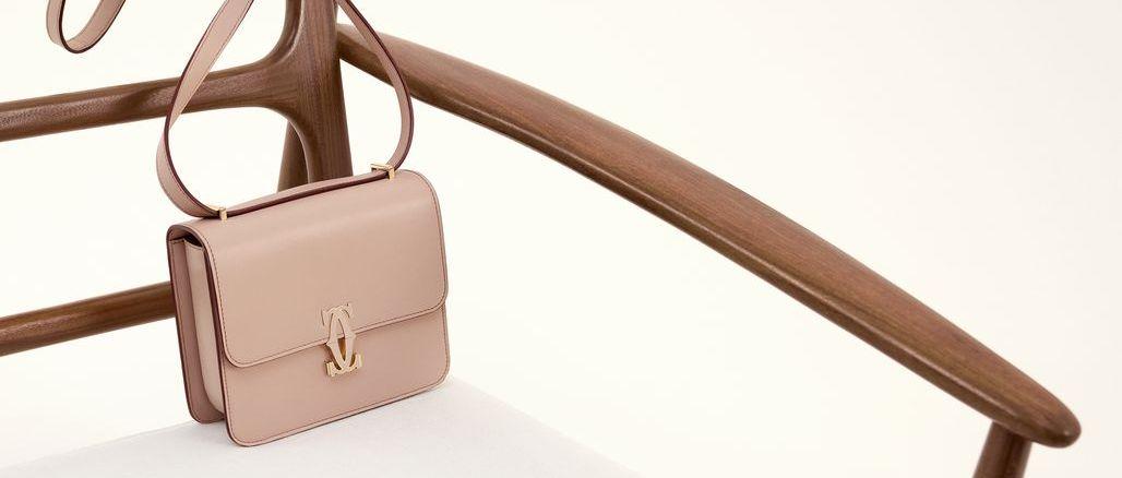 Minimalistická a nadčasová: Cartier představuje novou kabelku Double C de Cartier